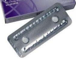 tableta con dos píldoras del día siguiente