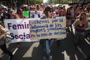 mujeres defienden derecho al aborto en México