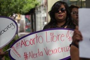 Mujeres exigen aborto libre para evitar casos como el de la mujer presa 11 años por aborto espontáneo
