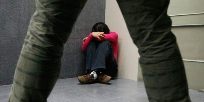 Mujer sufre violencia sexual en México