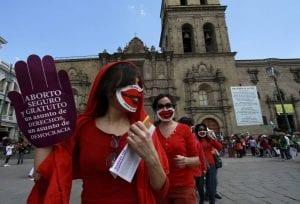 Mujeres en manifestación por aborto legal en Bolivia