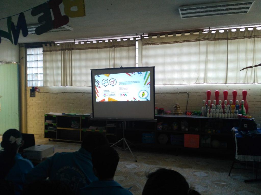 pláticas de educación sexual para adolescentes en la escuela República de Brasil